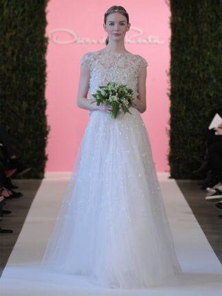 Abito da sposa in pizzo ricamato senza scollature Oscar de la Renta 2015