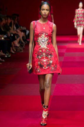 Abito ricamato Dolce & Gabbana primavera estate 2015
