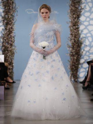 Abito sposa fiori celesti Oscar de la Renta 2014