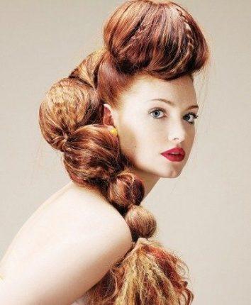 Acconciatura capelli rossi originale Mena Suvari