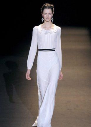 Alberta Ferretti collezione autunno inverno 2013 2014 abito lungo bianco
