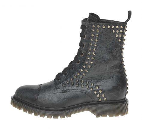 Anfibi con borchie Fornarina scarpe autunno inverno 2015