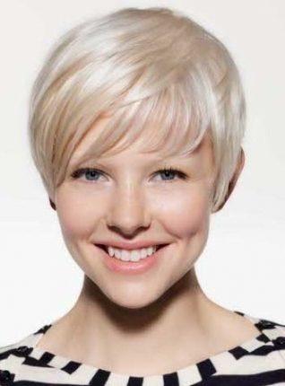 capelli-corti-con-frangia-laterale-2013