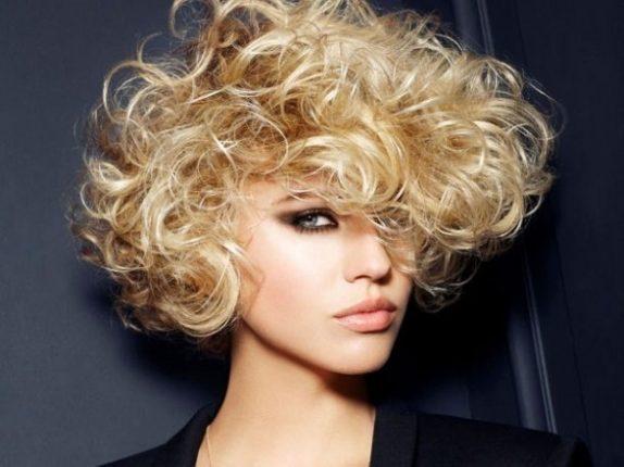 Capelli corti mossi tagli capelli donna primavera estate 2015