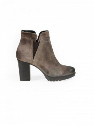 Chelsea boot in camoscio Janet & Janet scarpe autunno inverno 2015