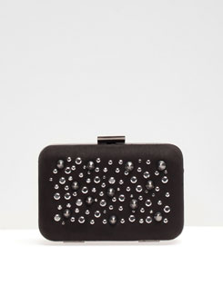 Clutch con borchie Stradivarius primavera estate 2013
