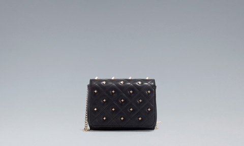Clutch con catenella Zara primavera estate 2013