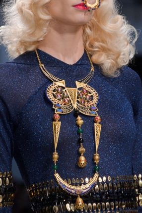 Collana lunga azteca