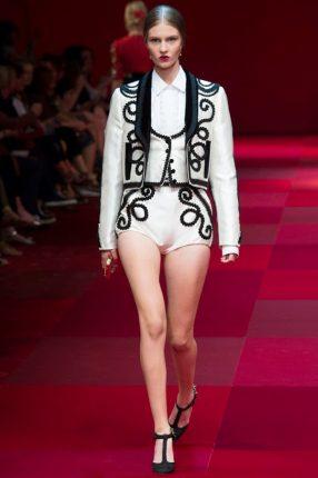 Completo bianco Dolce & Gabbana primavera estate 2015