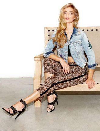 Giacca di Jeans Guess e pantaloni con la riga laterale