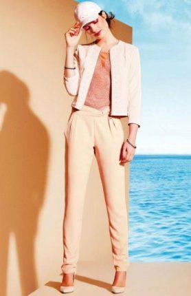 Giacchino-e-pantaloni-Motivi-primavera-estate-2013