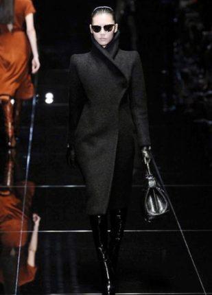 Gucci collezione autunno inverno 2013 2014 capotto nero
