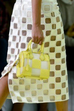 Handbag a quadri gialli e bianchi