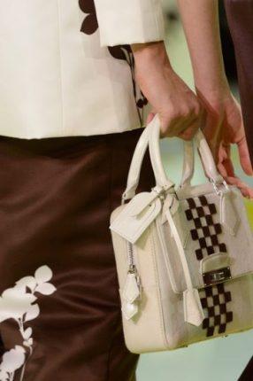 Handbag bianca con fascia