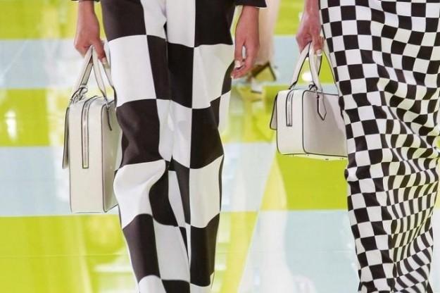 Louis Vuitton handbag in pelle rettangolari