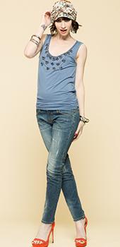 Maglietta azzurra smanicata con inserti Artigli primavera estate