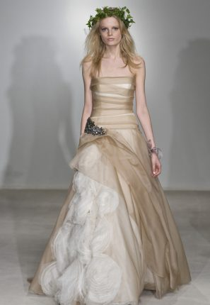 Moda sposa abiti cipria