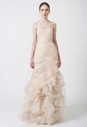 Moda sposa abiti con dettagli di colore