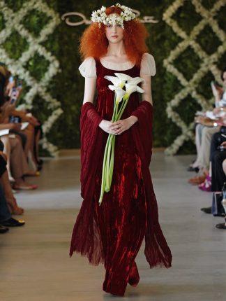 Moda sposa abiti con dettagli rossi