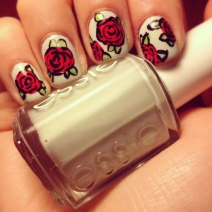 Nail art unghie rose 2013