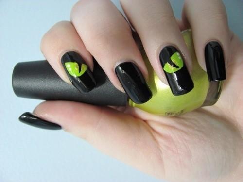 Nail art con occhi