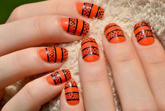 Nail art zucca effetto pizzo unghie Halloween