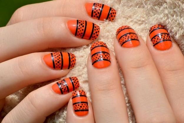 Nail art zucca effetto pizzo unghie Halloween