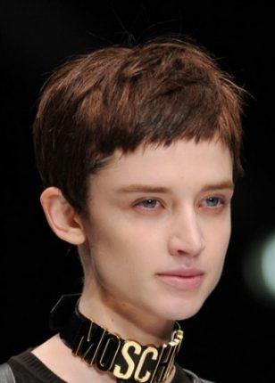 Pixie cut con frangia corta tagli capelli donna primavera estate 2015