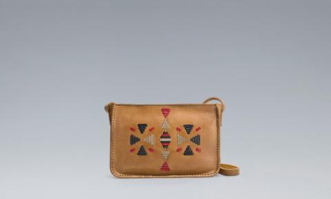 Pochette con cinturino Zara primavera estate 2013