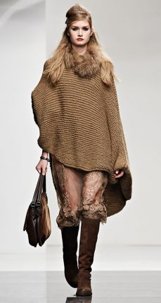 Poncho Twin Set autunno inverno 2015