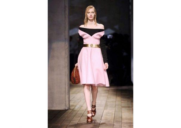 Prada collezione autunno inverno 2013 2014 abito rosa