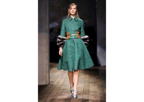 Prada collezione autunno inverno 2013 2014 abito verde