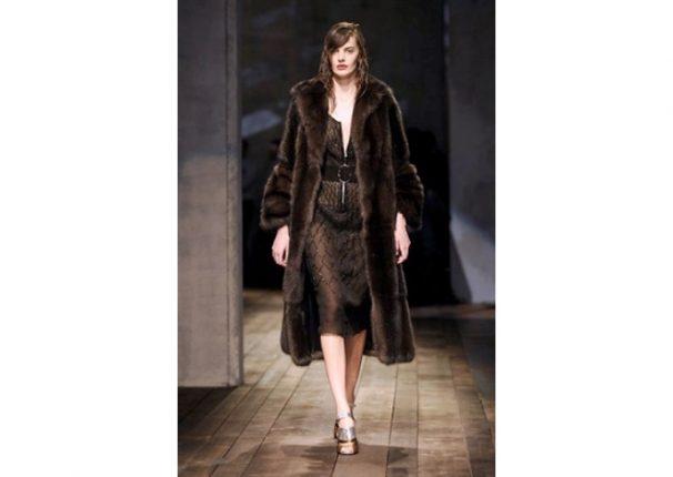 Prada collezione autunno inverno 2013 2014 pelliccia