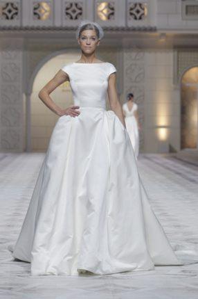 Pronovias 2015 abito sposa con ampia gonna