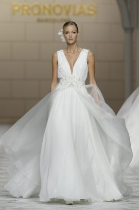 Pronovias 2015 abito sposa con gonna in tulle