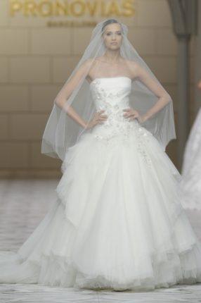Pronovias 2015 abito sposa con velo