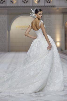 Pronovias 2015 abito sposa di pizzo
