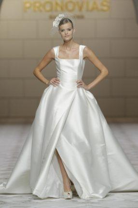 Pronovias 2015 abito sposa semplice