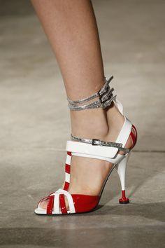 Sandalo Prada con tacco