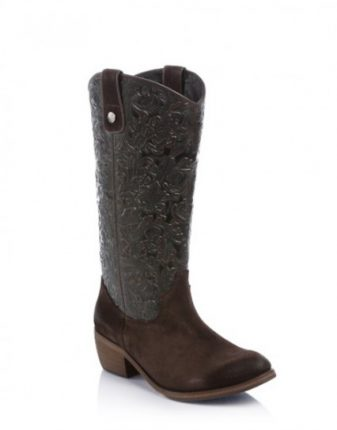 Stivali modello texano Guess scarpe autunno inverno 2015