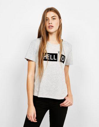 T-shirt con scritta Bershka autunno inverno 2017