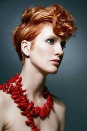 Taglio corto con ciuffo mosso tagli capelli donna primavera estate 2015