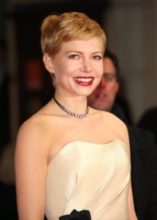 Taglio corto per Michelle Williams