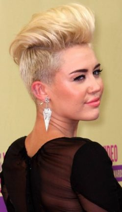 Taglio corto rock per Miley Cyrus