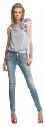 Top grigio e skinny jeans Fornarina primavera estate 2013