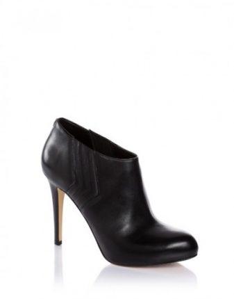 Tronchetti Guess scarpe autunno inverno 2015