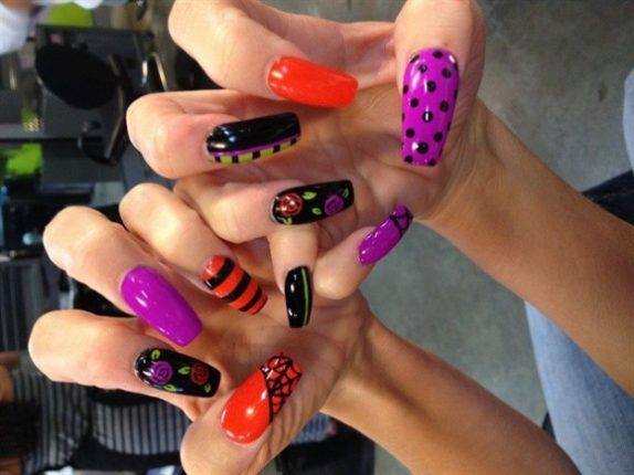Unghie colorate per nail art Halloween
