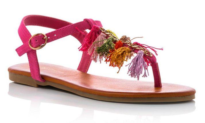 Sandali Infradito Bassi In Similpelle Rosa Con Pon Pon Multicolor In Stoffa (27,90€)
