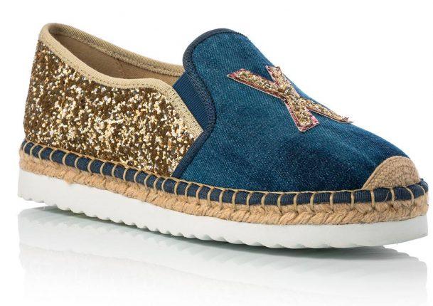 Slip On In Tessuto Blu Jeans E Glitter Oro Con Suola In Gomma Bianca E Paglia (costo 34,90 Euro)