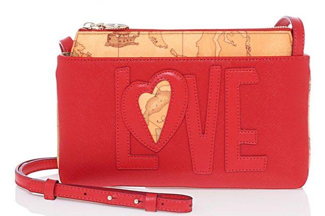 Tracolla Rossa Scritta Love (145 Euro)